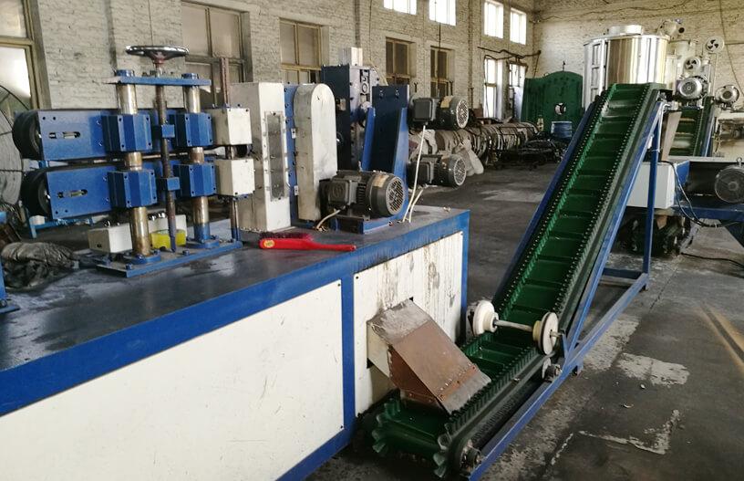 包塑光面胶管生产线